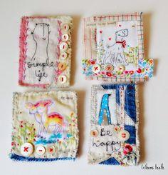 des petits bijoux textiles... de Hens Teeth quand les poules se mettent à avoir des dents! à voir aussi sur Etsy et sur son blog: http://hensteethart.blogspot.fr/