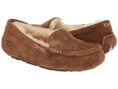 Snuggle up this fall and winter in the Ugg Ansley slipper. - Water-Resistant Suede - Rubber Outsole - Natural Wool Lining