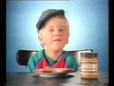 (Petje Pitamientje) Calvé Pindakaas reclame uit de jaren 80 (1) (Nederlands) peanutbutter advertisement, the little boy was too cute!