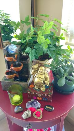 Feng Shui your Wealth Corner for Financial Peace of Mind - Witchy - einrichtungstipps Feng Shui Dicas, Consejos Feng Shui, Feng Shui And Money, How To Feng Shui Your Home, Feng Shui Art, Feng Shui House, Feng Shui Paintings, Feng Shui Plants, Financial Peace