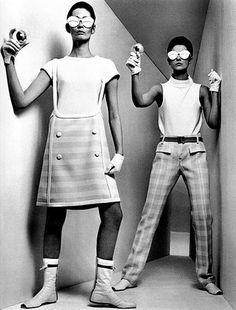 andré courrèges 1960s futuristic fashion