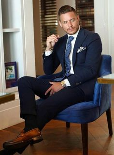 Rugged Style, Best Suits For Men, Cool Suits, Blue Suit Men, Navy Suits, Navy Suit Tie, Men's Suits, Costume Sexy, Men Dress Up