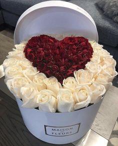 |●✨fσllσw mє - ♕ρɪитєяєѕт♕ : šтαćιєкєατ✨●| Beautiful Roses, Fresh Flowers, Beautiful Flowers, Flower Boxes, My Flower, Rose Flower Arrangements, Corporate Flowers, Box Roses, Flower Boutique
