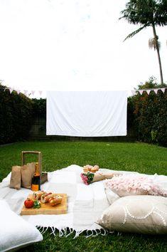 DIY Outdoor Backyard Cinema Picnic
