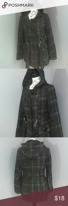 """Black & Grey Woven Norfolk Jacket Reasonable offers always considered on items over $15. Occasionally on items under $15. Bundle deals available!  Hooded plaid coat with pockets, belt and big button details. Smooth lining, faux leather lined belt. Size small/ 4-6. Woven coat is getting """"bally"""" as seen in picture four. A little time spent shaving it could made it look original again. Sold as is, as pictured. Bust 19"""" flat, 29.5"""" length from shoulder, hood 15"""" flat, sleeve inseam 18"""" length…"""