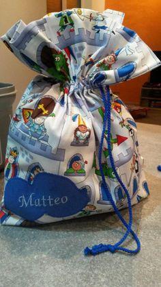 Un sacchetto da favola!! Per l'asilo o per la scuola...cosa ne dite? #Asilo #favola #principe #cavaliere #principessa