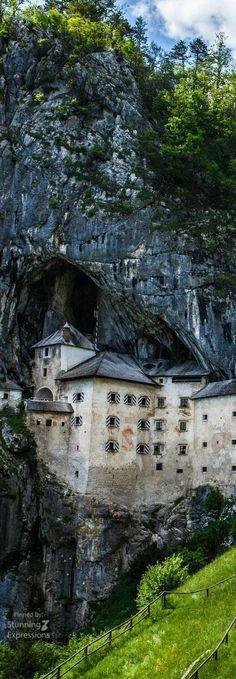 Predjama Castle - Ljubljana | Slovenia Slovenia Ljubljana, Bled Slovenia, Outdoor Reisen, Travel Eastern Europe, European Travel, Slovenia Travel, Reisen In Europa, Travel 2017, Roadtrip