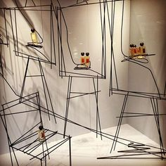 (A través de CASA REINAL) >>>>>  Retail Focus @retailfocus VM: London window...Instagram photo | Websta (Webstagram)
