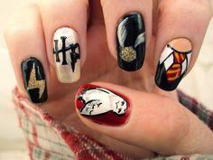 """Képtalálat a következőre: """"harry potter cuccok"""" Harry Potter Nails Designs, Harry Potter Nail Art, Harry Potter Day, Harry Potter Merchandise, Harry Potter Films, Cute Nail Art, Cute Nails, Pretty Nails, Pretty Nail Designs"""