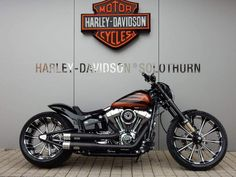 Custom Harley Davidson Breakout.