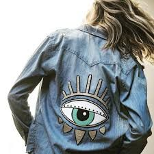 Embroidery Fashion Boho Shirts Ideas For 2019 Painted Denim Jacket, Painted Jeans, Painted Clothes, Distressed Denim, Jean Jacket Outfits, Outfit Jeans, Jacket Jeans, Patch Jean Jacket, Jean Jacket Design