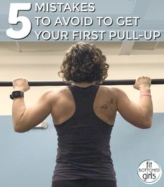 5 Mistakes to Avoid to Get Your First Pull-Up - Fit Bottomed Girls You Fitness, Fitness Goals, Fitness Tips, Fitness Motivation, Beginner Pull Ups, Pull Up Challenge, Pull Up Workout, Gym Workouts, Fit Motivation