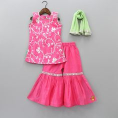 Pink Lace Work Top With Sharara And Dupatta Baby Girl Dress Design, Girls Frock Design, Kids Frocks Design, Baby Frocks Designs, Girls Dresses Sewing, Frocks For Girls, Little Girl Dresses, Baby Girl Dress Patterns, Baby Clothes Patterns