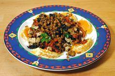 Ninis warmer Wintersalat: mit Dinkel und im Ofen gebackenen Möhren, Trockenpflaumen, Walnüsse und Tofu.