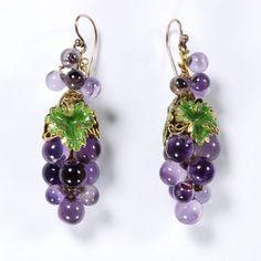 Grapevine earrings from Pin: www.sieradenschilderijenatelierjose.com France c. 1850