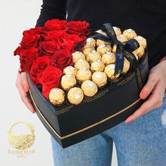 Birthday Gifts For Boyfriend Diy, Creative Gifts For Boyfriend, Cute Birthday Gift, Gift Bouquet, Candy Bouquet, Bouquet Box, Diy Gift Box, Diy Gifts, Cupcake Flower Bouquets