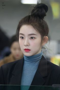 Irene - Gimpo Airport heading to Japan Seulgi, Red Velvet アイリーン, Red Velvet Irene, Kpop Girl Groups, Kpop Girls, Japonese Girl, Red Velet, Velvet Fashion, Jolie Photo