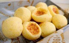 ひとくちサイズでもっちもち♡ ブラジル発祥のチーズパン、 【ポンデケージョ】 実は作り始めてから焼き上がりまであっという間にできちゃいます!