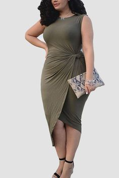 Plus Size Sleeveless Front Knot Bodycon Dress - US$15.95 -YOINS
