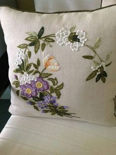 PILLOW : NEEDLEWORK / CROCHET EMBELLISHMENT INSPIRATION