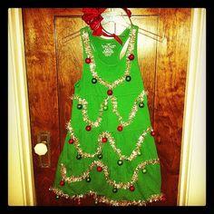 Last-minute #Halloween costume idea: Christmas tree