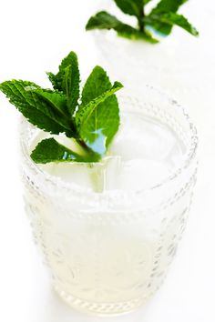 Fresh Mint Margaritas (Gimme Some Oven) Tequila, Vodka, Classic Margarita Recipe, Margarita Recipes, Mint Margarita, Margarita Cocktail, Grand Marnier, Summer Cocktails, Cocktail Drinks