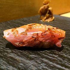 Kinme-dai Aburi  金目鯛炙り Omakase @ Yashin by tenyuu  #Yashin #sushi #omakase #aroi #aroii #aroisnap #aroijapan #eatoutbkk #delibang #tuna #maguro #akami #sushi #sashimi #bangkok #thonglor #thai #japanese #ppgallery #michelin #wongai #kinme #kinmedai #aburi #金目鯛 #鯛 by delibang