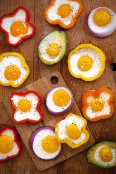 No pimentão, na cebola, no abacate.. Prepare seu ovo com muitas cores e sabores.