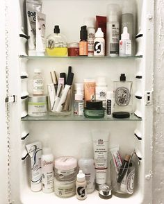 "394 Likes, 17 Comments - Joanna Spicer (@joanna_spicer) on Instagram: ""When your skincare routine is just a couple steps...#itgtopshelfie"""