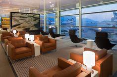 Cathay Pacific lounge - The Bridge - Hong Kong