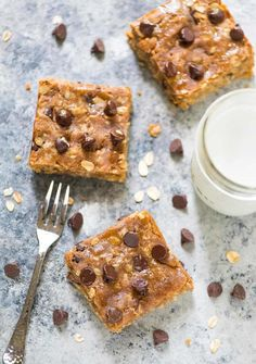 Thick and chewy Peanut Butter Oatmeal Cookie Bars. NO butter, oil, or refined sugar! Perfect for healthy desserts or even breakfast. @wellplated