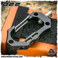 D22 Large Carabiner w/Glow Aluminum