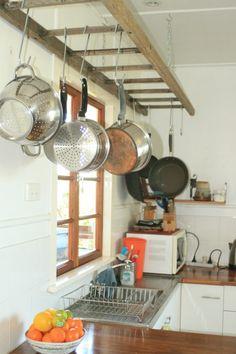 74 Best Hanging Rack Kitchen Decor Ideas - Home/Decor/Diy/Design Diy Kitchen, Kitchen Dining, Kitchen Decor, Kitchen Ideas, Kitchen Cabinets, Kitchen Countertops, Kitchen Pans, Country Kitchen, Kitchen Designs