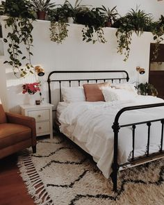 30 Boho chic Bedroom decor ideas and inspiration - vine filled cozy bohemian bed., Home Decor, 30 Boho chic Bedroom decor ideas and inspiration - vine filled cozy bohemian bedroom. Dream Rooms, Dream Bedroom, Bedroom Apartment, Home Bedroom, Bedroom Furniture, Furniture Dolly, White Bedroom Black Furniture, Furniture Decor, Brick Wall Bedroom