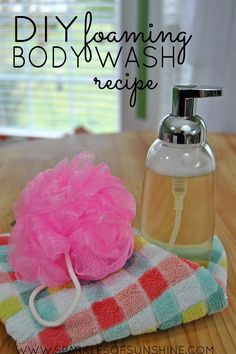 The best DIY projects & DIY ideas and tutorials: sewing, paper craft, DIY. DIY Skin Care Recipes : Use this DIY foaming body wash recipe to make your own natural skincare wash and save money, too! Tea Tree Body Wash, Diy Body Wash, Homemade Body Wash, Natural Body Wash, Natural Skin Care, Natural Beauty, Mousse, Anti Aging, Fashion Models
