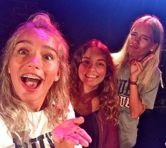 Lisa and Lena with a fan at a meet&greet in Paris