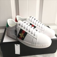 gucci shoes black bee. gucci unisex woman man shoes leather sneakers with embroidered bee black k