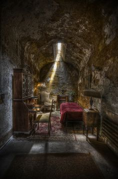 Al Capone's Cell at Eastern State Penitentiary in Pennsylvania. Chicago's most famous mob boss spent eight months at Eastern State in 1929-1930.  His time in Eastern State was spent in relative luxury. His cell on the Park Avenue Block had fine furniture, oriental rugs, and a cabinet radio.