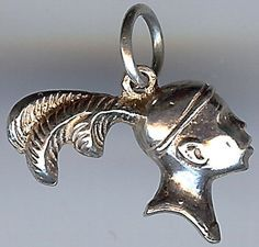 VINTAGE STERLING SILVER IROQUOIS INDIAN OR NATIVE FACE WITH FEATHER PLUMES CHARM