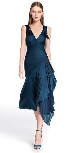 Donna Karan 2014, fantastic teal elegant dress. My dramatic color in a dramatic style.