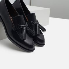 LEATHER LOAFERS WITH TASSELS-Shoes and bags-Woman-NEW IN | ZARA United Kingdom