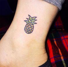 Kim Michey tatuagem tattoo abacaxi