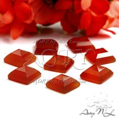 1pcs 10x10mm Natural Red Chalcedony Pyramid Cabochon by AoryNL