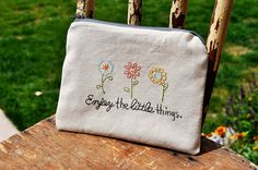 Fort Worth Fabric Studio: Embroidered Zipper Pouch {Free Pattern}