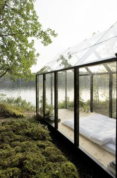 Green House/Garden Shed designed by Ville Hara and Linda Bergroth for Kekkilä Garden (Finland) - photograph by Arsi Ikäheimonen - as feature. Farnsworth House, Outdoor Spaces, Outdoor Living, Outdoor Decor, Beautiful Architecture, Architecture Design, Guest House Shed, Philip Johnson, Shed Design