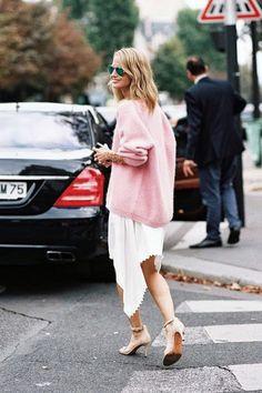 Holli Rogers // mirrored aviator sunglasses, oversized pink sweater, white asymmetrical skirt & nude heels #style #fashion #streetstyle