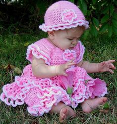 Watch Maggie review this adorable Savannah Ruffled Baby Set Crochet Pattern! Crochet Design by: Lori Sanfratello Skill Level: Easy Size: Pattern using ″E″ hook