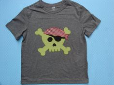 Camiseta con calavera pirata por LacasitadeCaperucita en Etsy