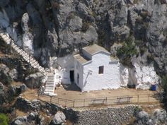 Little White Chapel, Stairs To Heaven, Sea Waves, Mount Rushmore, Character Design, Mountains, Mansions, House Styles, World