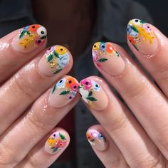 Cute and colorful easter nail art designs for spring 2019 00043 Cute Nails, Pretty Nails, Nail Art Designs, Nail Art Halloween, Easter Nail Art, Christmas Manicure, American Nails, Floral Nail Art, Flower Nails